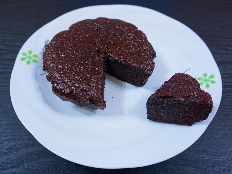 兩種材料巧克力蛋糕
