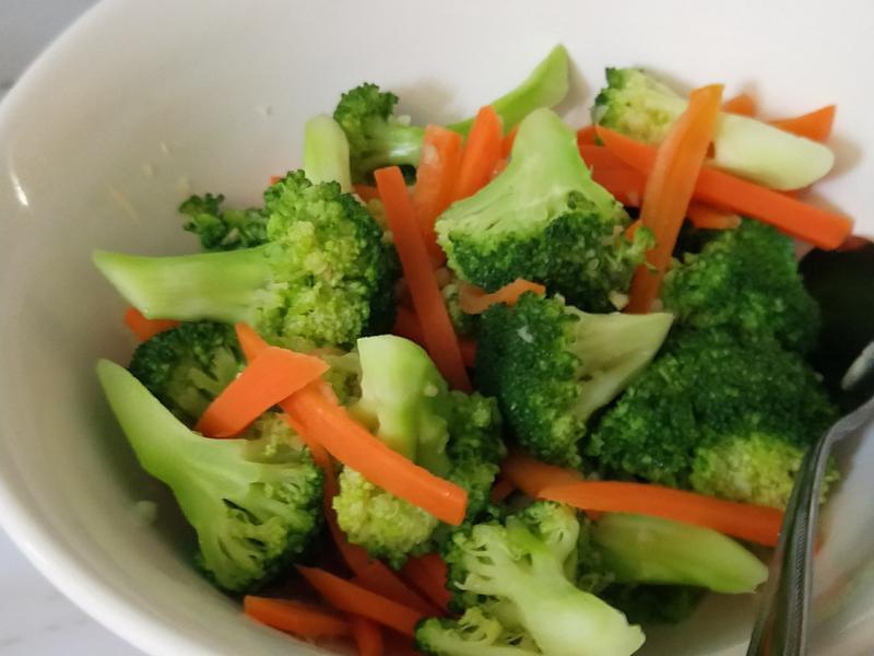 涼拌花椰菜