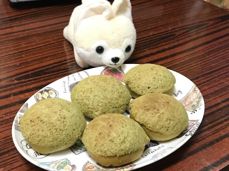 綠茶紅豆菠蘿包