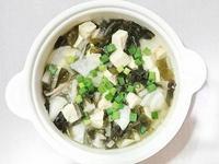 🍲味噌白蘿蔔鴻禧菇豆腐湯。
