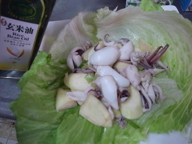 【黃金玄米油清爽料理】-- 鮮蔬花枝美人腿