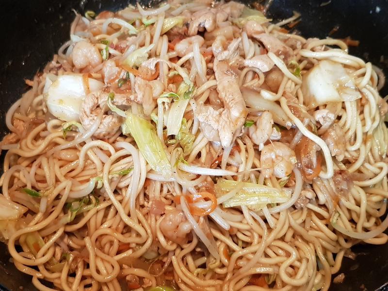 海陸炒麵(雞肉,蝦仁)
