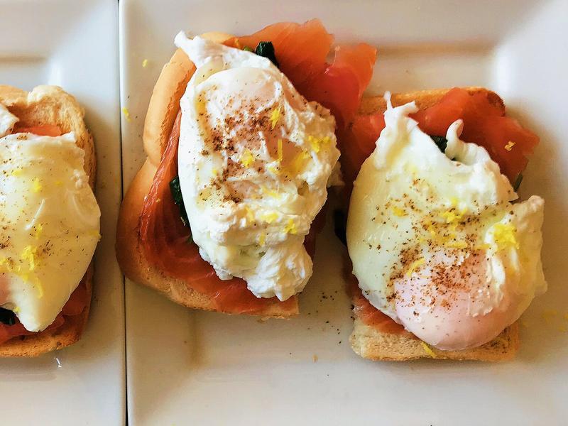 波菜燻鮭魚蛋早午餐
