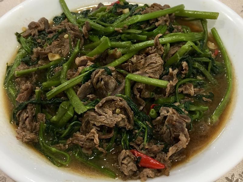 空心菜炒黑胡椒牛肉