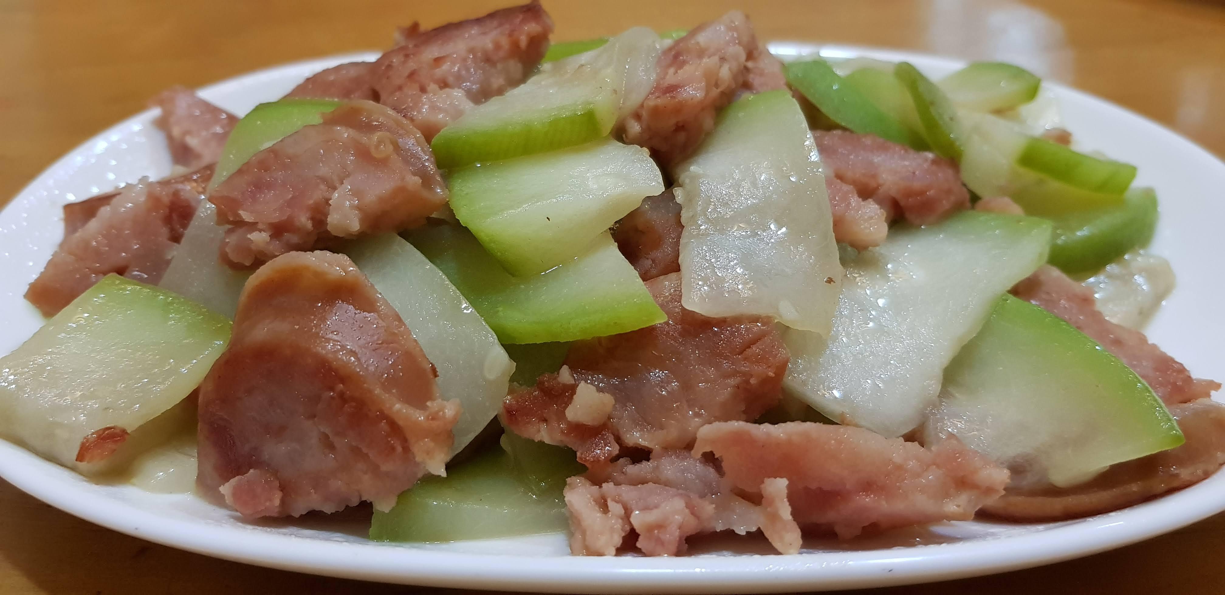 冷凍瓠瓜炒香腸