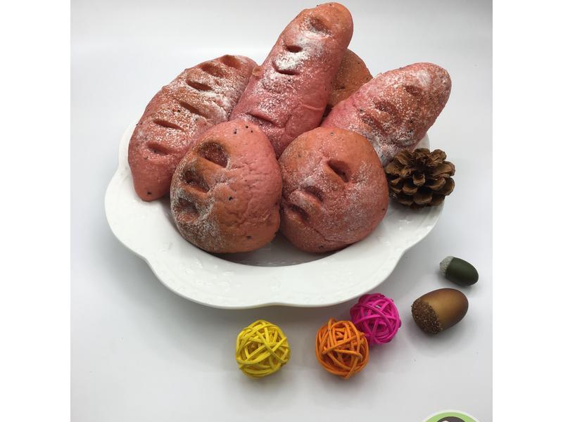 火龍果優格肉鬆麵包