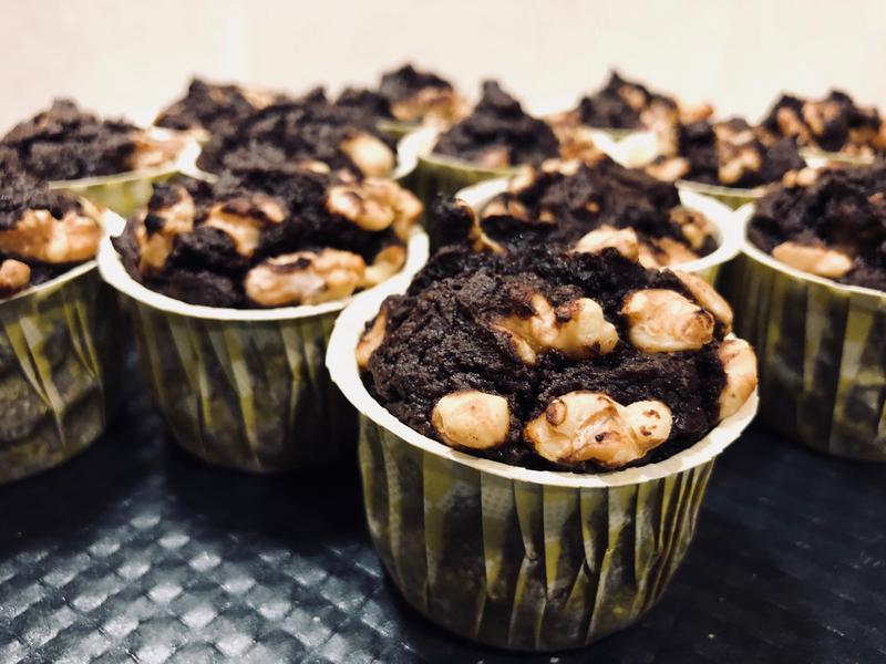 生酮低碳酪梨布朗尼杯子蛋糕-蛋奶素