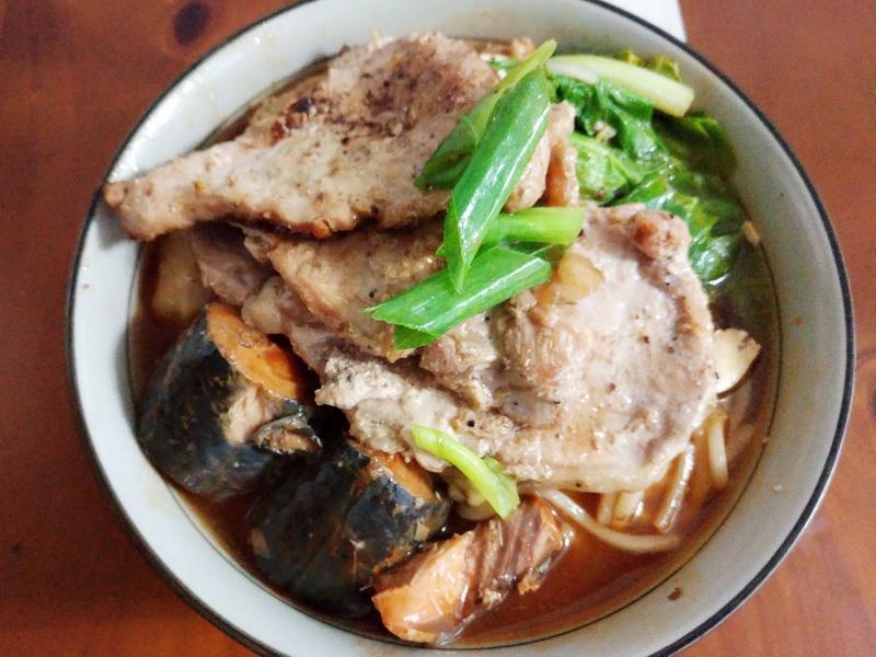 里肌鯖魚湯麵