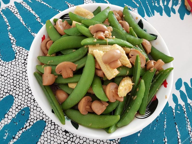 蘑菇玉米芯炒甜豆
