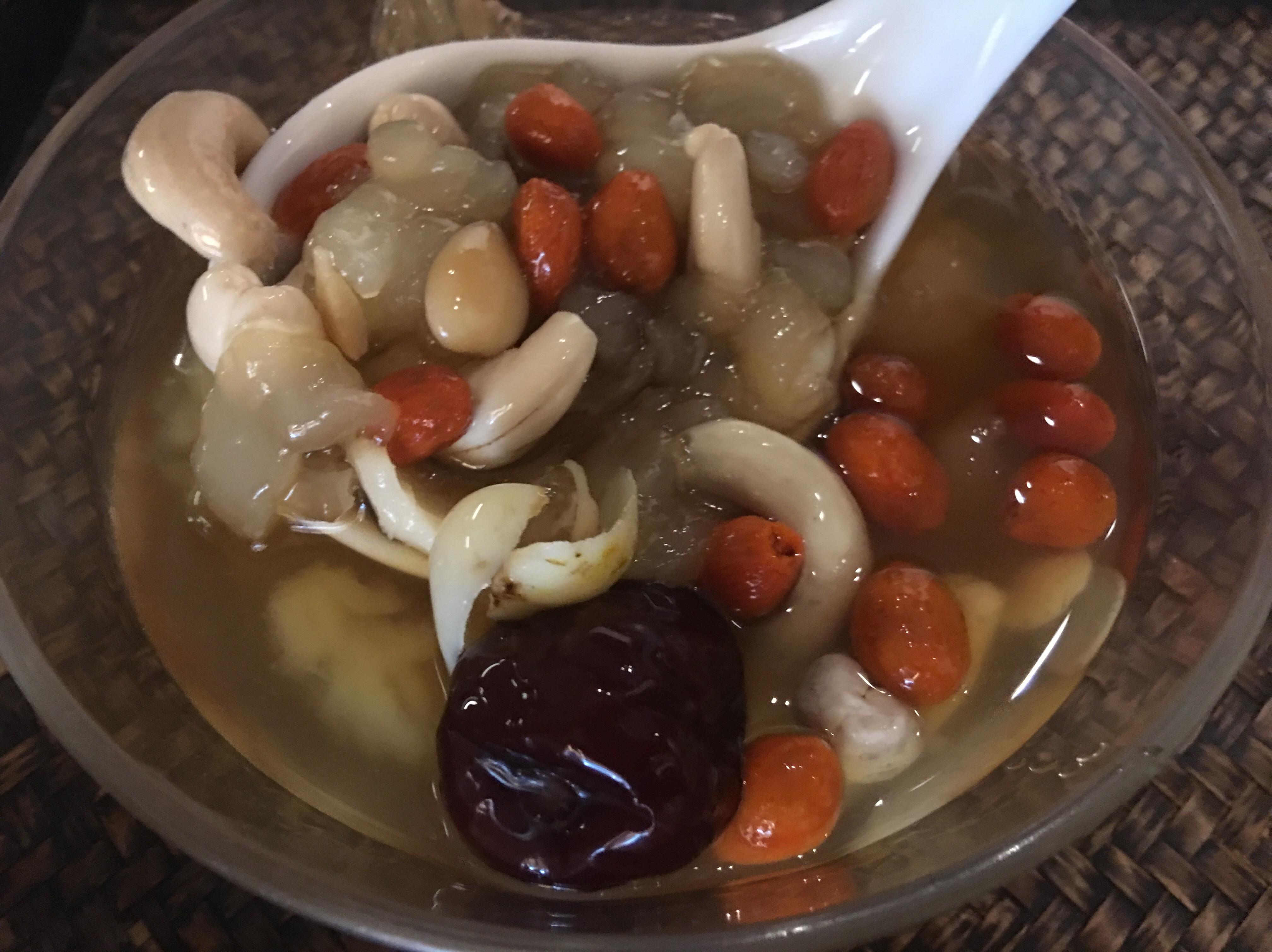 雪蛤雪蓮子養顏美容甜湯~