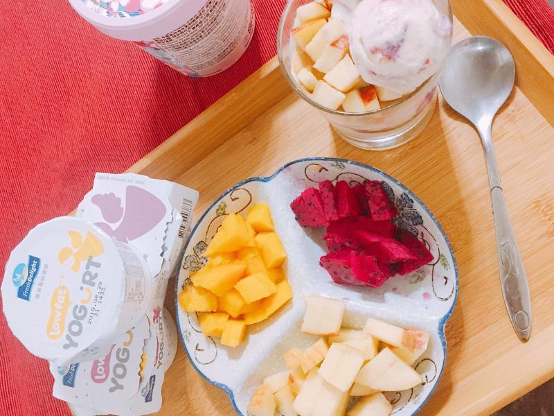 水果優格鬆餅杯