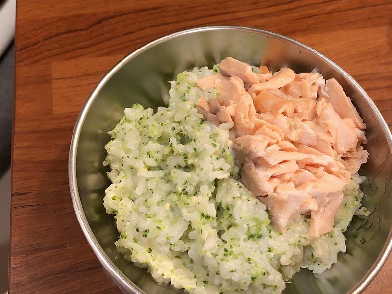 寶寶副食品-奶香青醬鮭魚飯