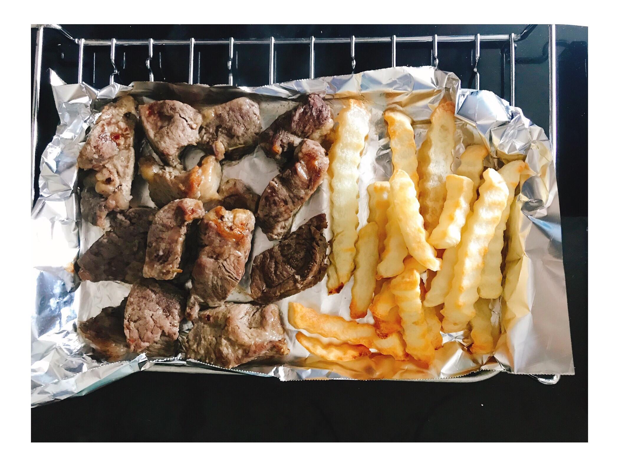 減肥便當🍱牛扒薯條🍟大餐