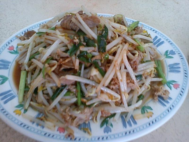 快炒五花豬肉豆芽菜