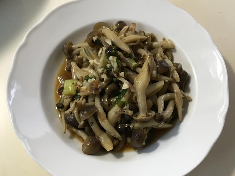 涼拌鴻禧菇