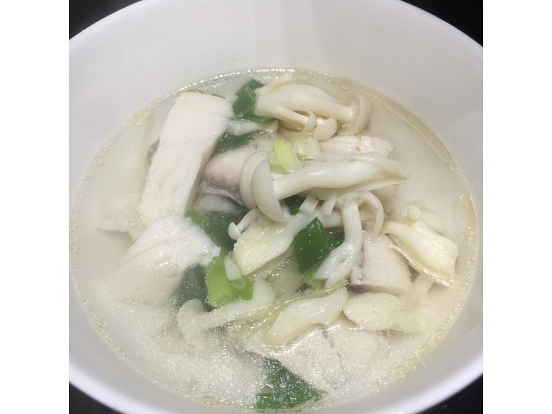簡單~鯛魚雪白菇湯[好菇道親子食光]