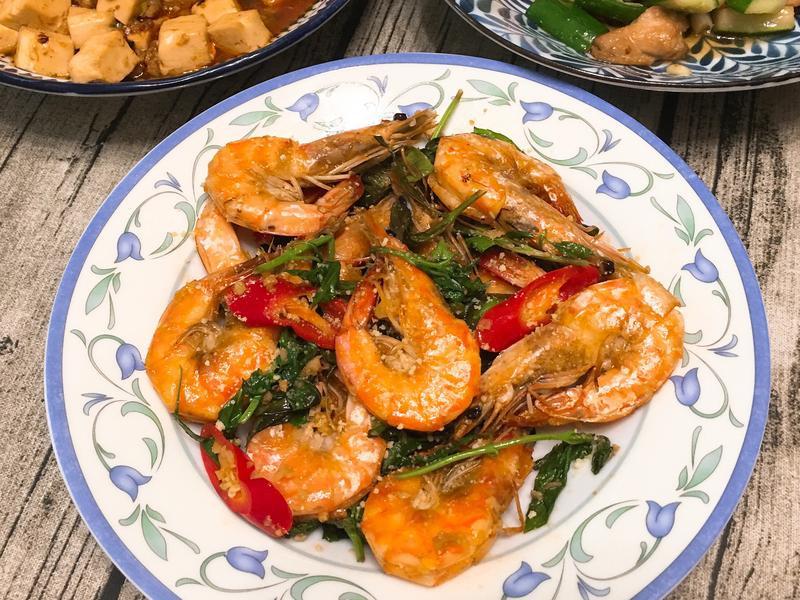 塔香蒜味起司蝦~香濃吮指料理