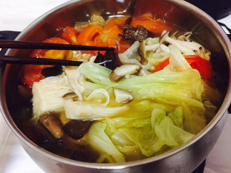 低升醣飲食系列-鰹魚排骨菇菇鍋