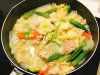 白醬蔬菜捲捲麵
