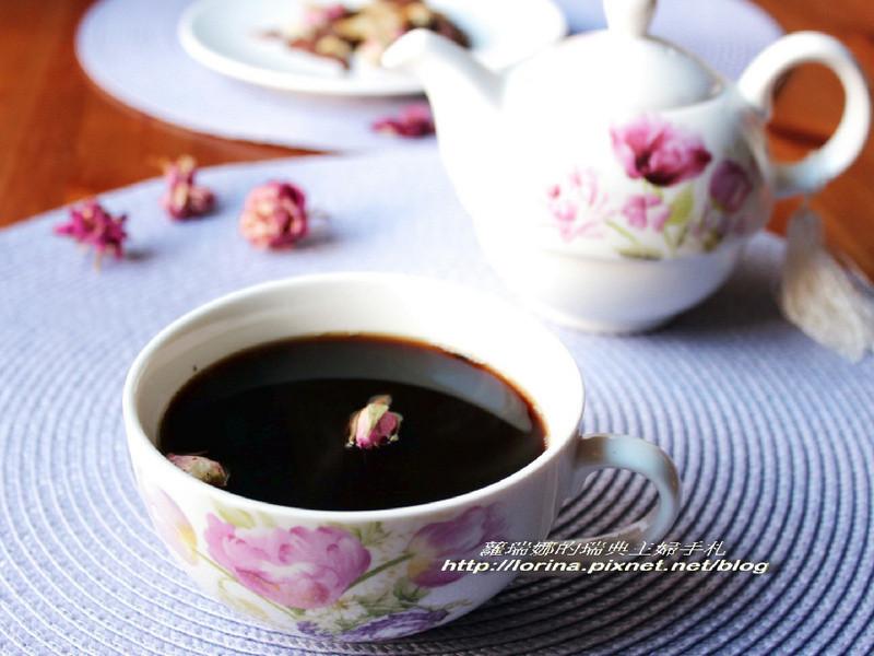 [趁熱品嚐]黑糖玫瑰四物飲