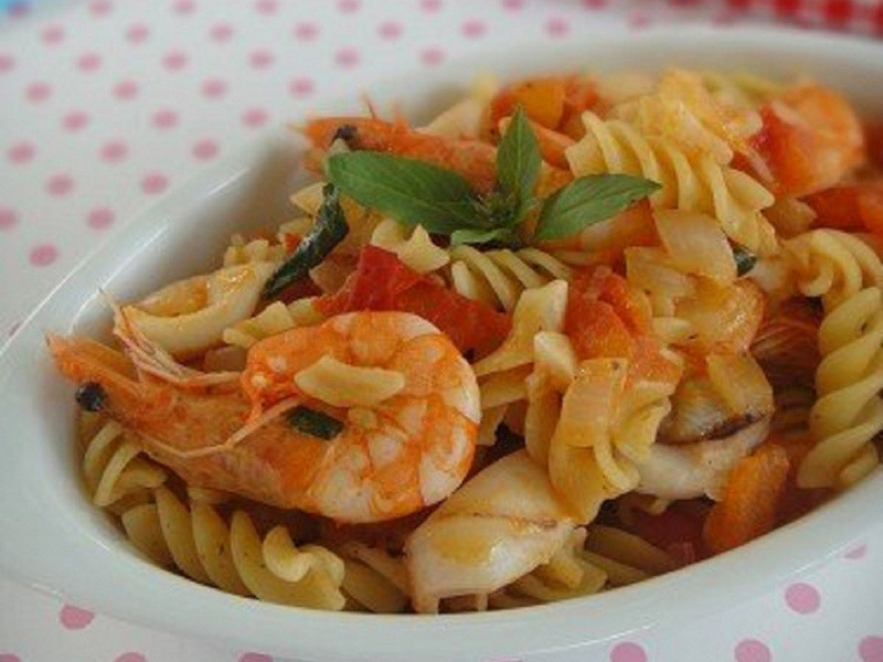 蕃茄海鮮螺旋麵