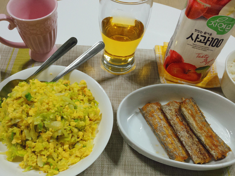 煎白帶魚+高麗菜炒蛋