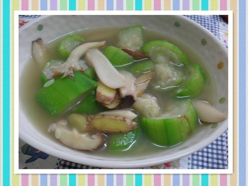 雙菇絲瓜湯