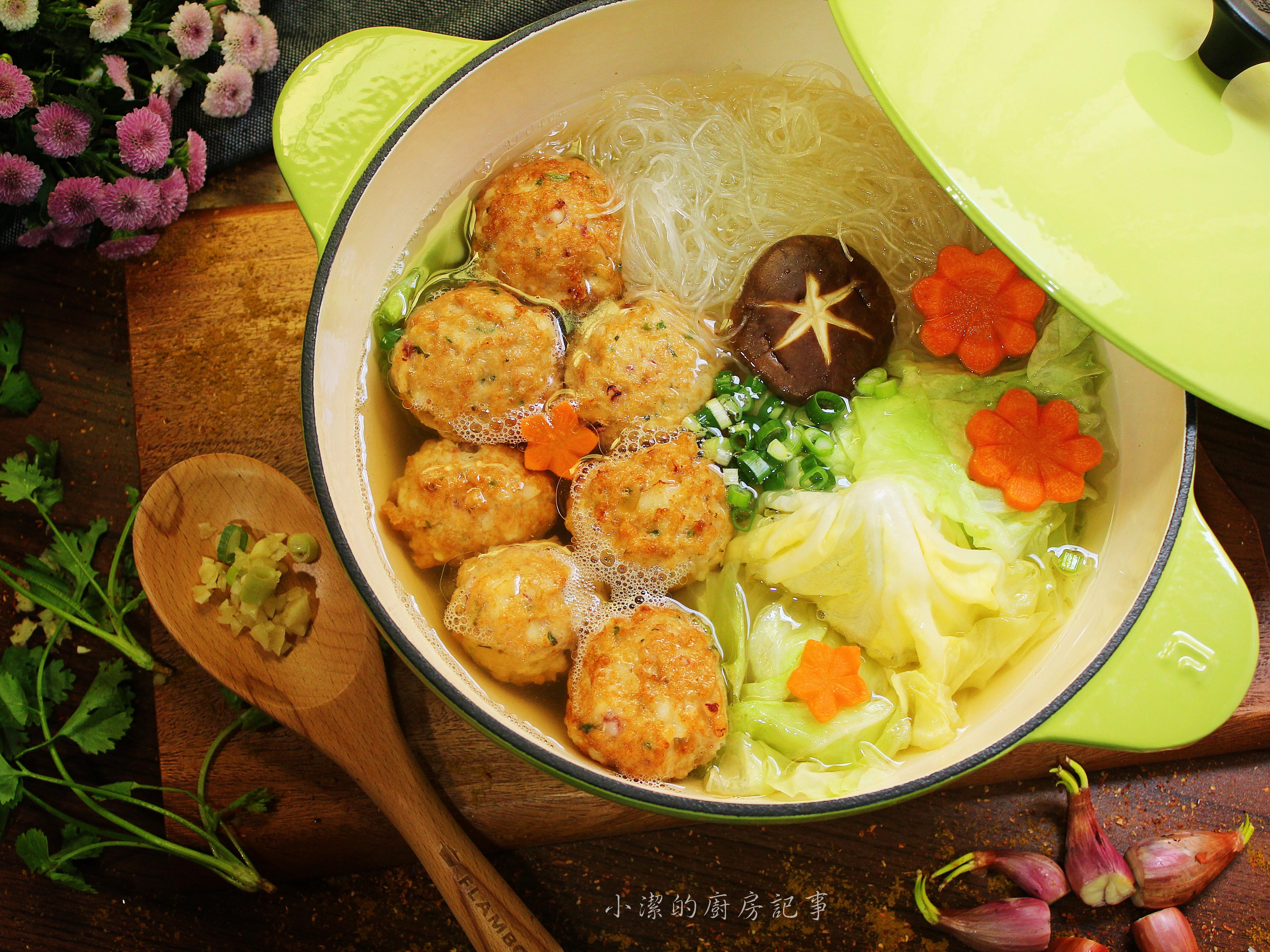 雞肉丸子粉絲鍋