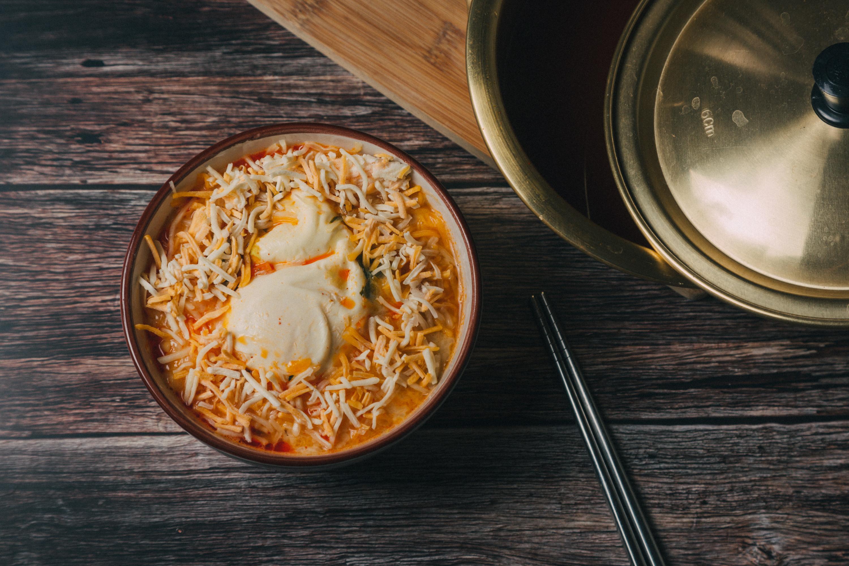 金螃蟹海鮮風味拉麵之起士湯麵