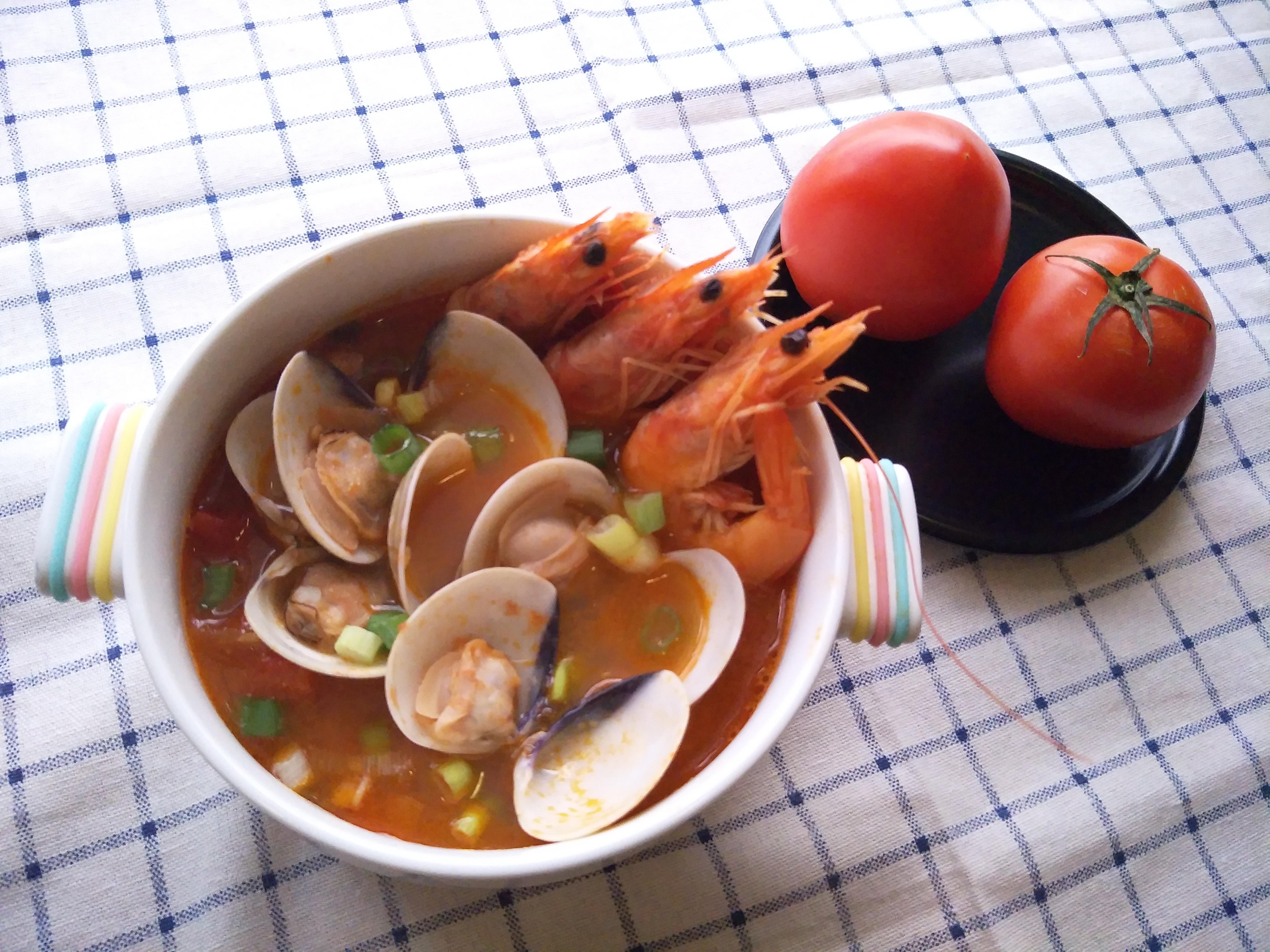 一鍋搞定蕃茄海鮮湯