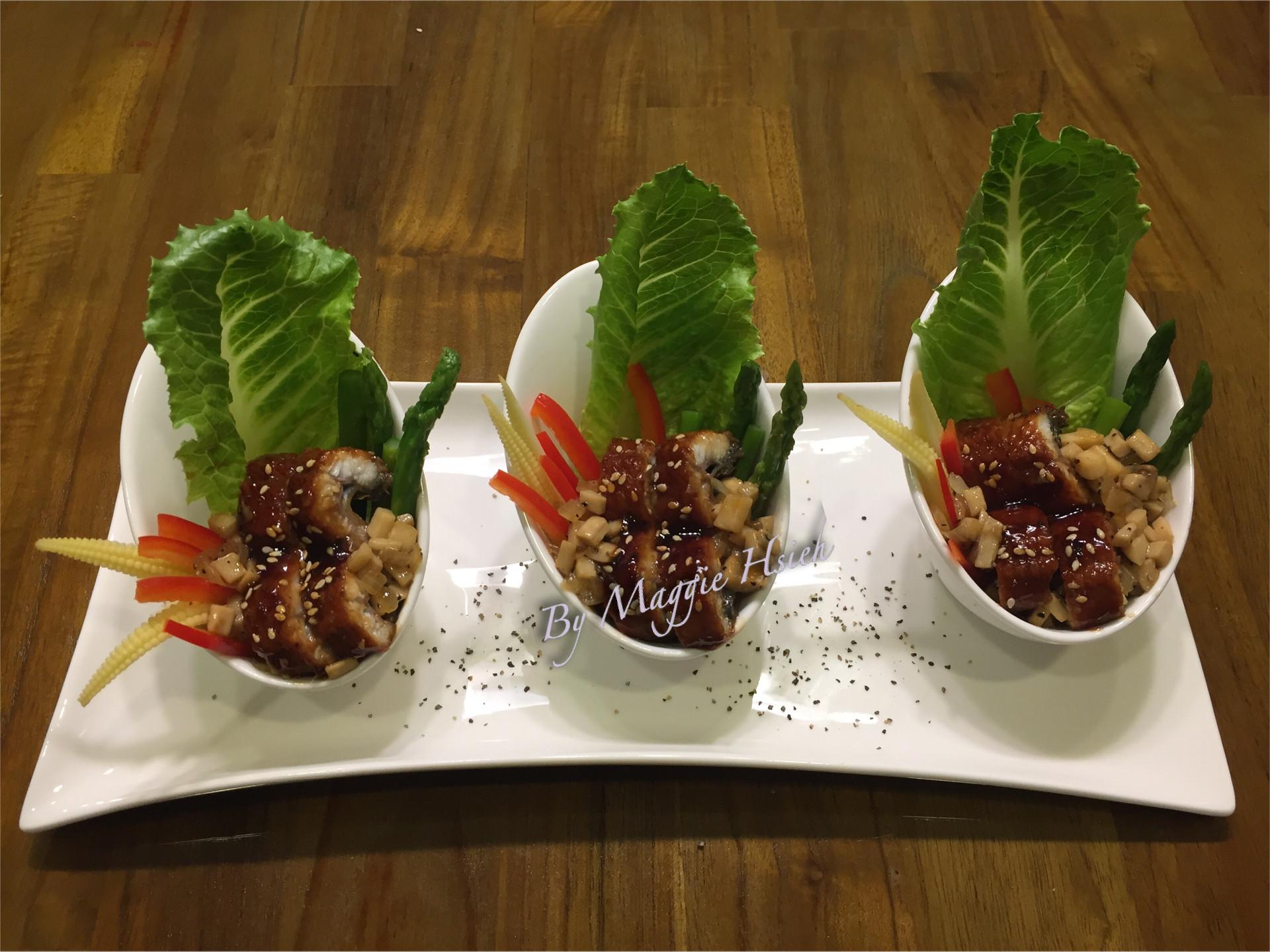 黑胡椒杏鮑菇蒲燒鰻沙拉