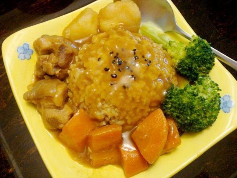 金黃色的美味■日式雞肉咖哩■
