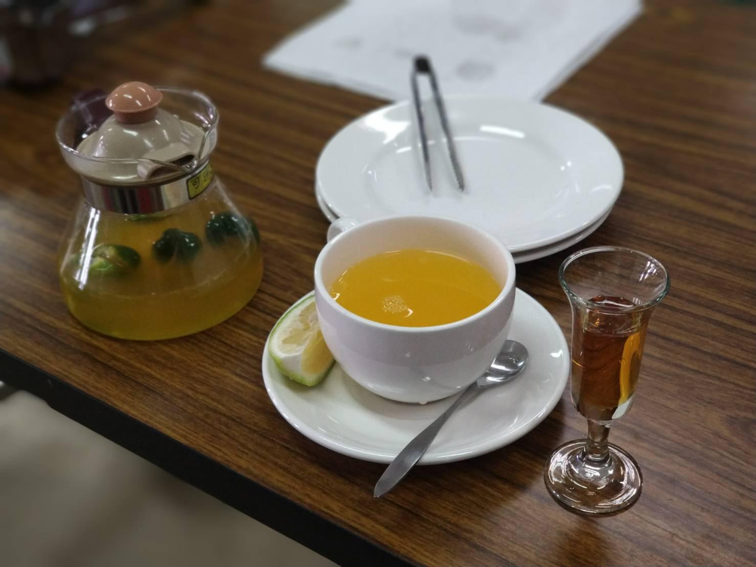 熱柳橙金桔汁