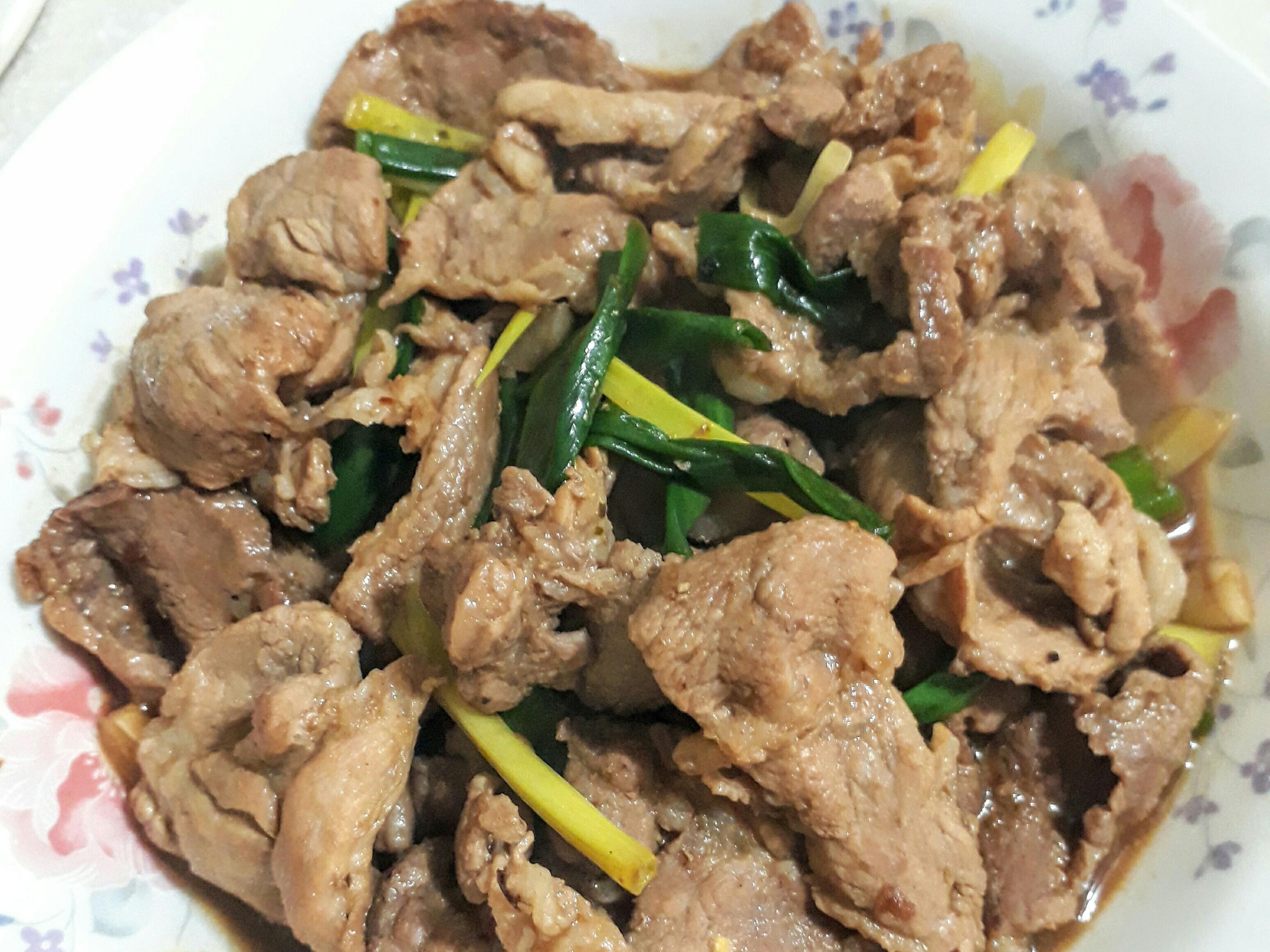蔥燒梅花豬肉片
