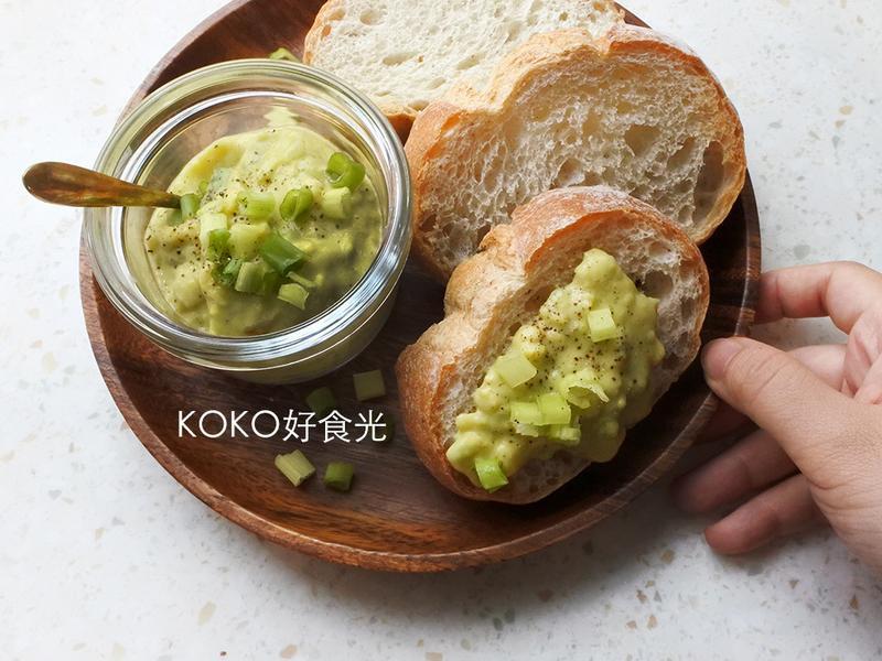 亞洲風青蔥酪梨抹醬