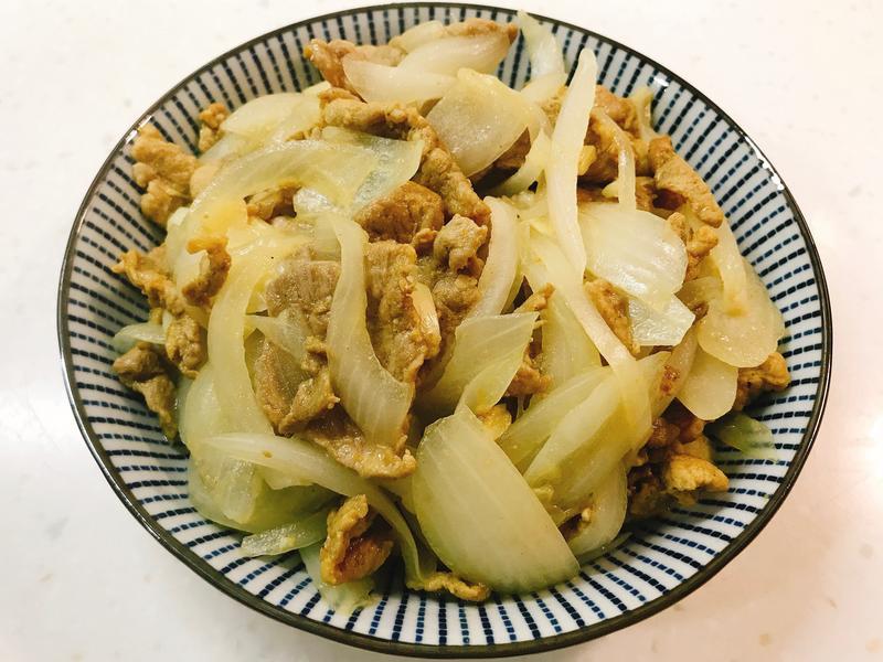 咖哩豬肉炒洋蔥