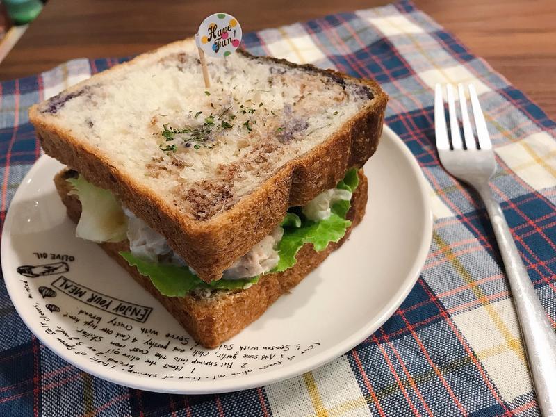 鮪魚起司三明治 (簡單早餐快速上桌)