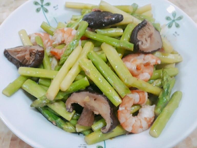 蘆筍炒蝦子