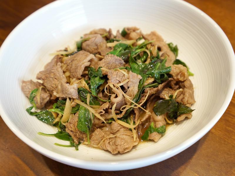 塔香薑絲炒牛肉。簡易晚餐料理