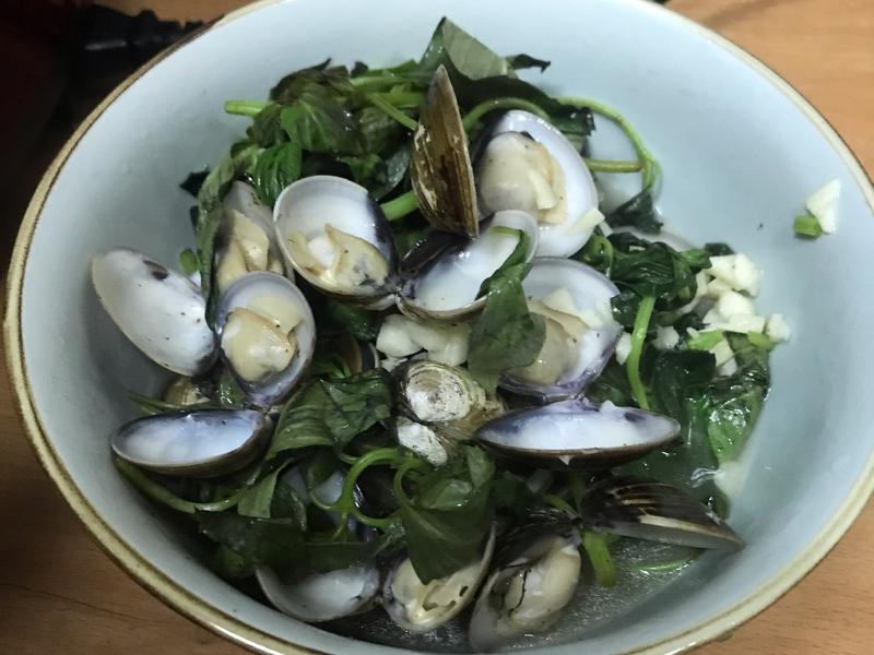 萬用鍋 蒜炒蛤蜊