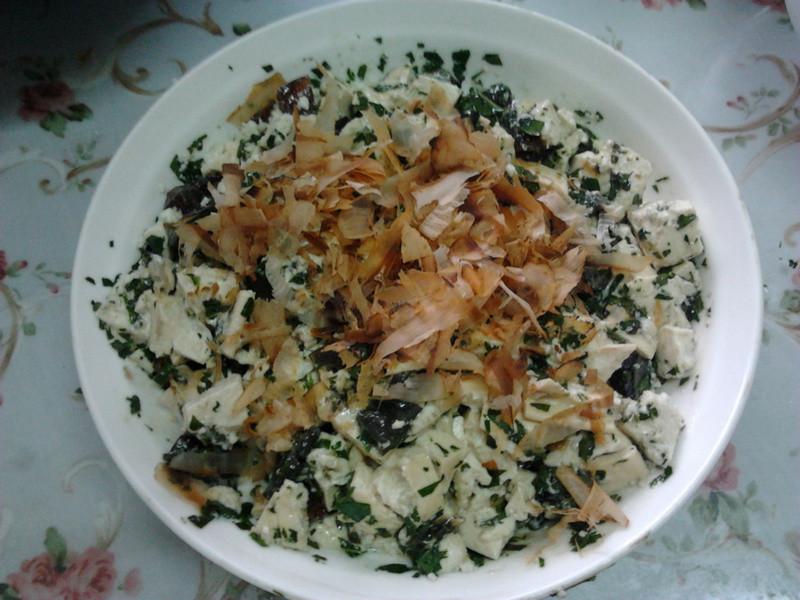 香椿皮蛋拌豆腐