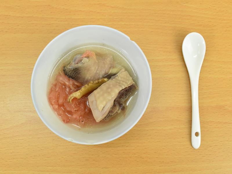 秋季美食:柚子雞湯最對味