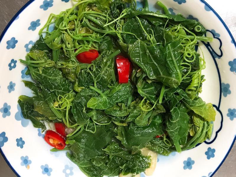 。清炒龍鬚菜。