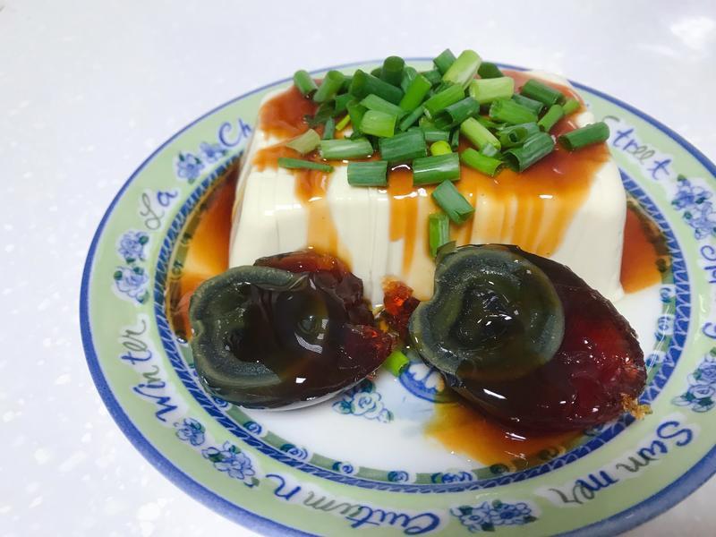 蔥花皮蛋豆腐
