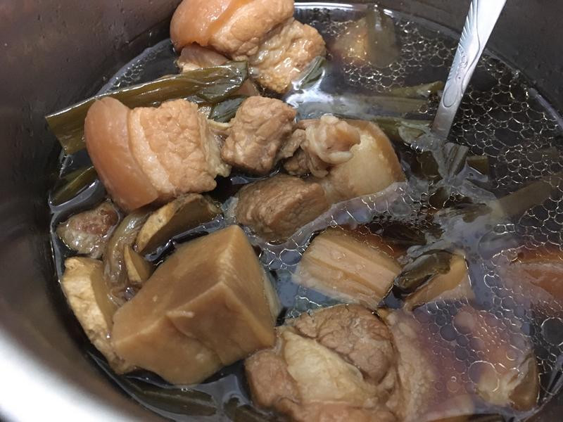 杏苞菇滷肉(電鍋料理)