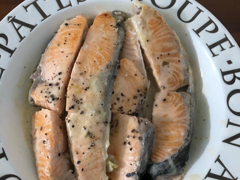 奶油白醬鮭魚