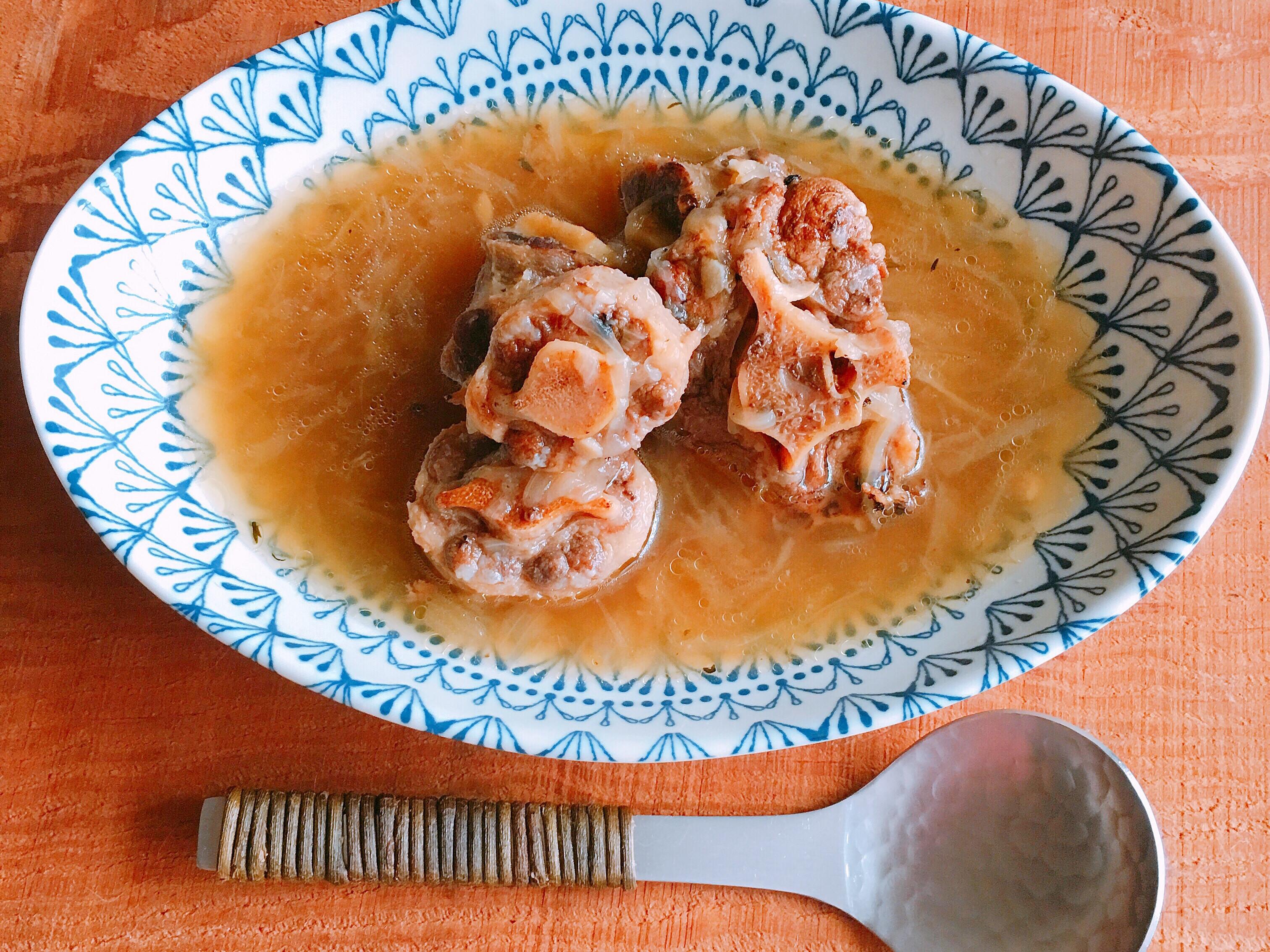 洋蔥牛尾湯