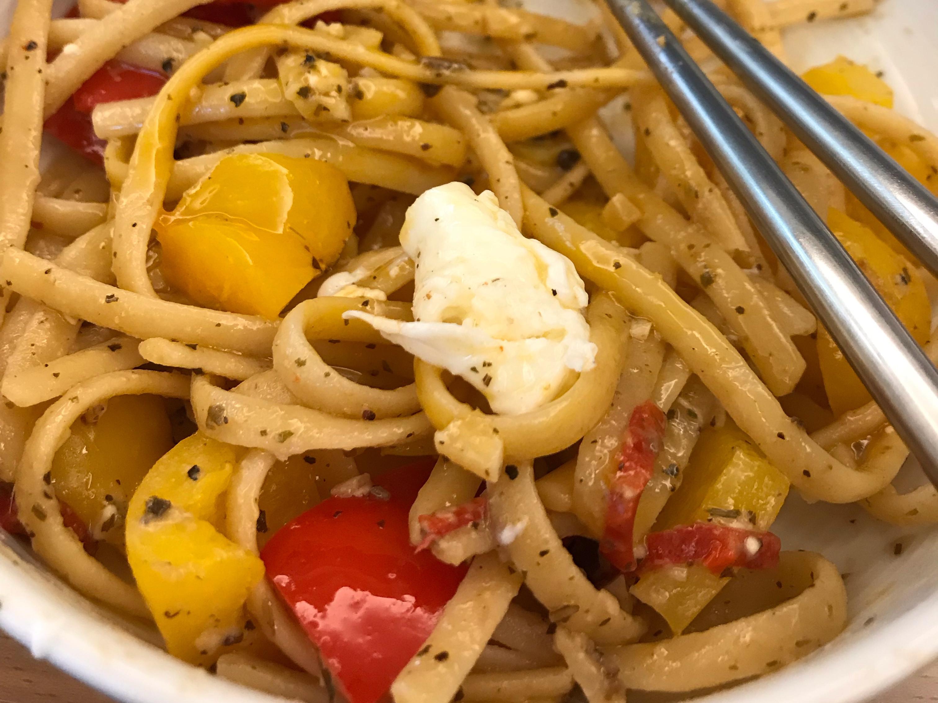水波蛋鯷魚義大利麵