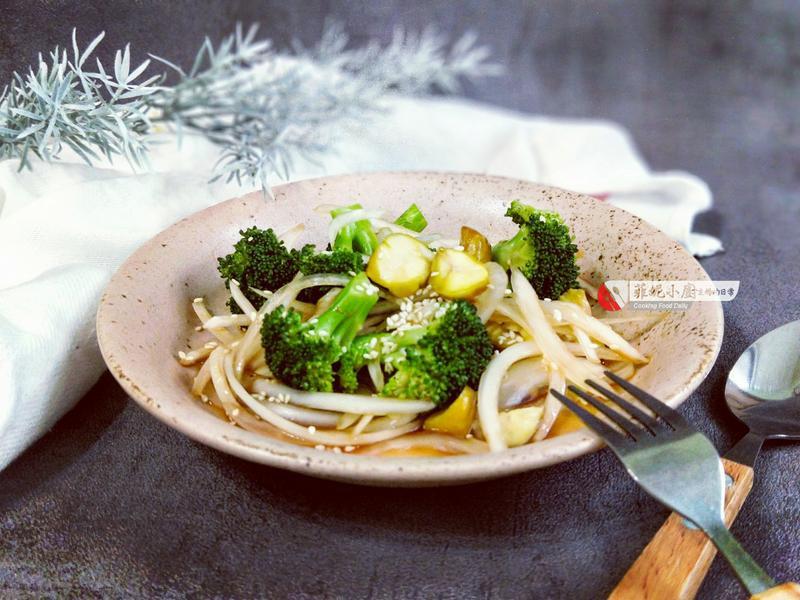 花椰菜拌洋葱