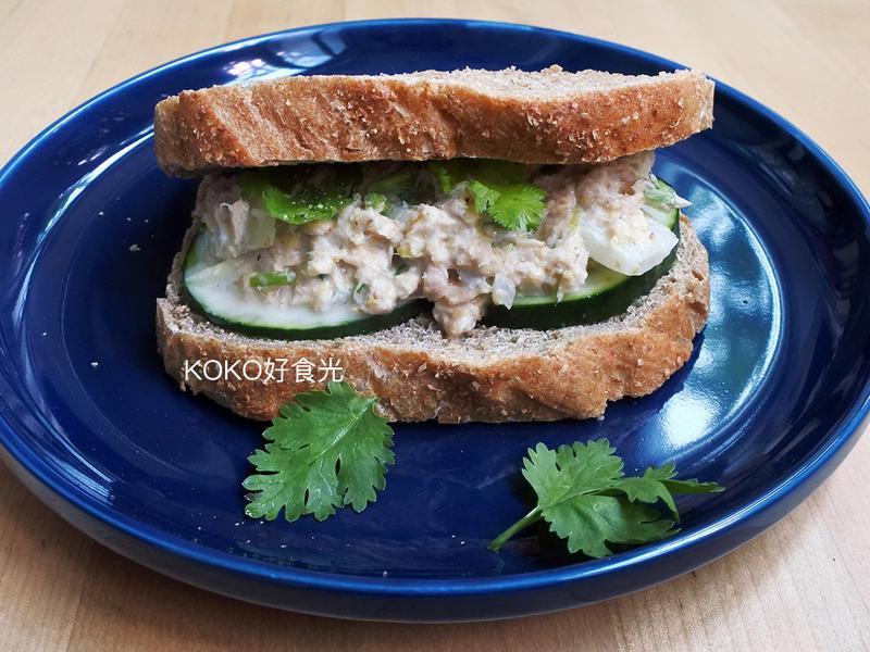 南洋芫荽鮪魚三明治